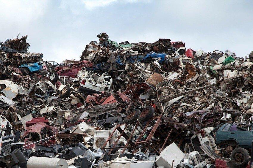 Entsorgung Staubsauger auf der Müllkippe